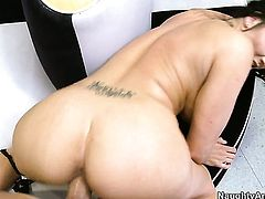 Billy Glide buries his stiff sausage in ultra hot Mackenzee Pierces love tunnel