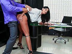 India Summer is angry with her client. He is not able to pay for her services since he is broke. So she gets him to pay up by having sex in office with her.