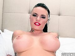 Christy Mack with bubbly butt does oral job for hard dicked fuck buddy to enjoy