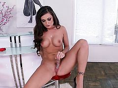 Melissa Jacobs goes solo on cam