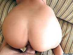 Brunette sexy Isis Taylor shows off her assets while giving tugjob