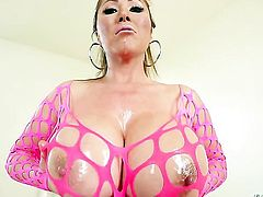 Kianna Dior is so wet and so horny that gives headjob to Jonni Darkko just like crazy