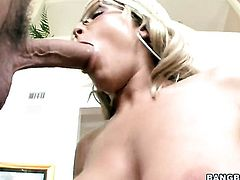 Blonde Jessica Moore with juicy bottom fucking like it aint no thing in sex action with hot bang buddy