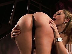 Aiden Starr and Evie Delatosso spread their legs legs wide for each other and enjoy lesbian sex