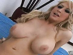 Blonde Candy Manson cant stop dildoing her wet hole