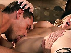 Carolyn Reese gets mouth slammed by horny bang buddy