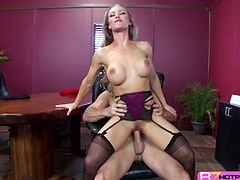 Horny office boss Nicole Aniston is irresistible that she managed to have an afternoon masturbation which bide away did not satisfy her that much so she busted in a meeting to suck and fuck that hunk employee taking advantage of his huge stiffened cock.