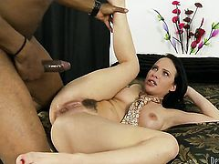 Katie St. Ives is dangerously horny after giving blowjob to Sean Michaels