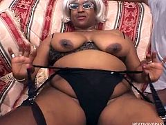She had two clients that day and they both arrived at the same time. Using her curves she lets them both take her at once and let's one of them, enter her mouth. Watch as this hot milf earns her coin by taking on two men at once!