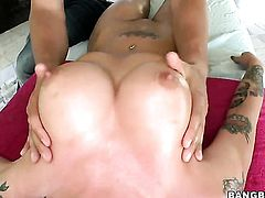 Christy Mack with juicy knockers and bald beaver gets painted with cream after sex with horny man