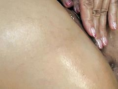 Milf plays with herself to orgasm in solo action