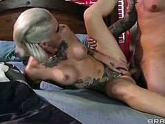 Kleio Valentien with juicy hooters just feels intense sexual desire and sucks Clovers love stick like mad