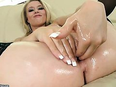 Blonde Michelle Moist shows nice solo tricks with her new sex toy