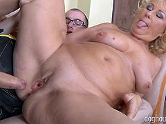 Short haired chubby blonde mature slut gets pounded missionary