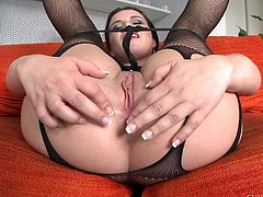 Enjoy David Perry, leny-ewil and beautiful Wendy Moon making sex-hardcore action. Depraved inviting brunette bitch in fishnet costume suggests her juicy butts to drill her pretty asshole