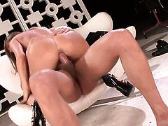 Madelyn Marie gets the mouth fuck of her dreams with hard cocked dude