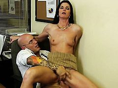 India Summer gets the mouth fuck of her dreams with hard dicked dude