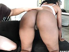 Nyomi Banxxx with bubbly booty knows that massive face cumshot is the only thing that can make her feel better