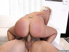 Brunette porn girl screams in lesbian sexual ecstasy with Layla Price