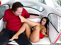 Brunette Jenna Presley with massive breasts holds her mouth wide open while getting jazzed on