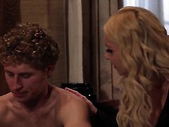 Aaliyah Love loves getting her mouth banged by hot dude