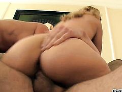 Erik Everhard gets seduced by Slutty harlot Kimberly Kiss and then fucks her mouth