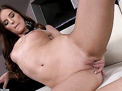 Brunette has dildo-hungry love hole