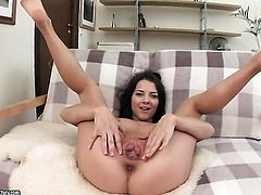 Brunette masturbating for your viewing enjoyment