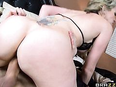 Courtney Cummz lets Danny D put his pole in her mouth