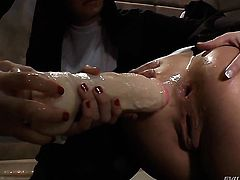 Roxy Raye gets satisfaction with lesbian Lea Lexis
