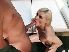 Keiran Lee gives extremely horny Darryl Hanahs anal hole a try in steamy hardcore action