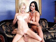 Evan Stone has a great time banging enchanting Elaina Rayes mouth