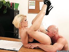 Flirty exotic babe Ash Hollywood is not a whore but a porn star who loves Johnny Sins s love wand so much