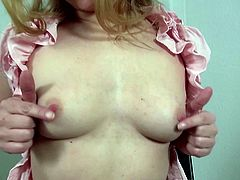 Amateur mature mom with thirsty vagina