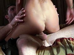 Sexy bodied stunner Alektra Blue takes dream cumshot on her face