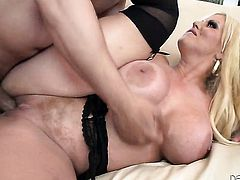 Anthony Rosano explores the depth of pretty Alura Jensons throat with his dick