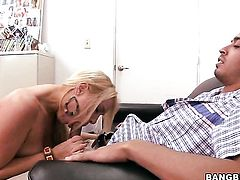Blonde Jaime Appelgate takes care of mans throbbing meat stick
