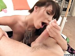 Brunette Holly Michaels knows no limits when it comes to taking money shot on her face