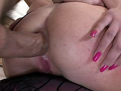Fat Cock In Her Ass w Teena Lipoldino
