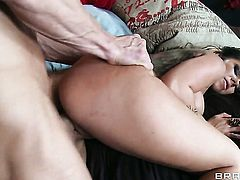 Johnny Sins gives delicious Julia Bonds fuck hole a try in steamy action