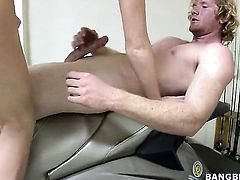 Redhead Rosie Anne gives cock massage to one lucky dude