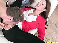 Brunette Samantha Ryan needs Erik Everhards schlong in her mouth desperately and gets it