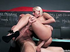 Sammie Spades with giant hooters asks Johnny Sins to insert his ram rod in her mouth before she gets fucked in her anal hole