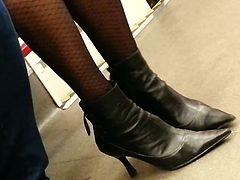 candid pantyhose in metro 284