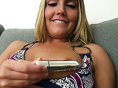 Megan Sweetz does her best to give herself the greatest orgasm ever