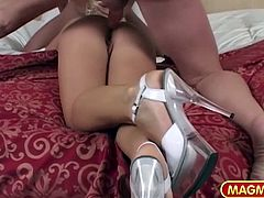 Gina is hot, a Milf and she is Polish. What you do not know is that very fit to take many big dicks at the same time and she enjoys it. Especially up her tight Polish ass!