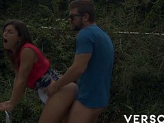 When you have 2 of the hottest Spanish performers everything cums together, ven in public among the bushes. Julia Roca has the best ass in the business and she doesn´t take it friendly.