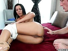 Round ass pornstar Rachel Starr gets boned