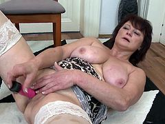Dalia still needs cock like any other woman, but for now she's alone, making this video to attract new lovers. She sits in her chair, rubbing her pussy and making it wet. She gets her vibrator, but she really needs a stiff dick.