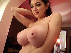 Tessa Fowler is a classic busty pinup girl. Her huge natural knockers are a cause of instant boners worldwide. Don't miss an opportunity to marvel at a sight of her huge titties, swaying side to side, while she pours oil all over them. Wouldn't you love to be able to nut all over those massive tits?